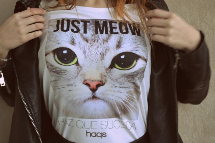 Camiseta Just Meow de HAQS