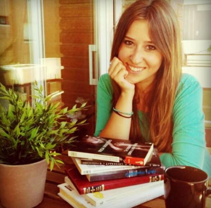 Lorena Córcoles, periodista y escritora del blog Lo que te quería contar
